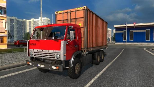 Mod of the Soviet KamAZ-5320 truck with a NEFAZ-8332 trailer for ETS 2
